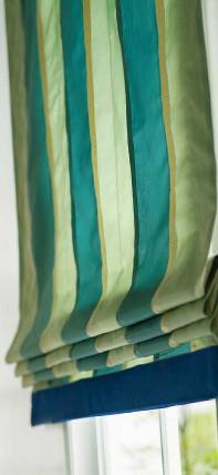 シェードの生地のボーダー縫製